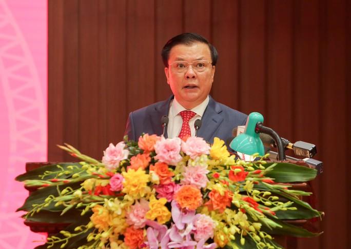 Công bố quyết định của Bộ Chính trị phân công ông Đinh Tiến Dũng làm Bí thư Thành ủy Hà Nội - Ảnh 14.