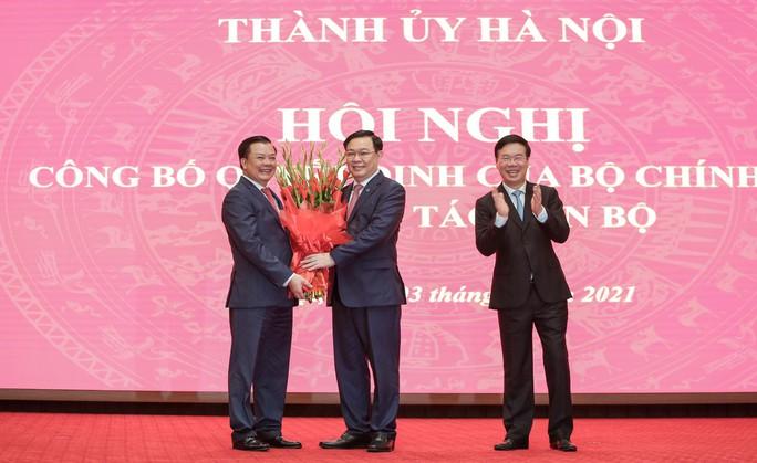 Công bố quyết định của Bộ Chính trị phân công ông Đinh Tiến Dũng làm Bí thư Thành ủy Hà Nội - Ảnh 12.
