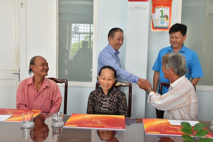 Mai Vàng nhân ái hỗ trợ 3 nghệ sĩ ở Bến Tre - Ảnh 6.