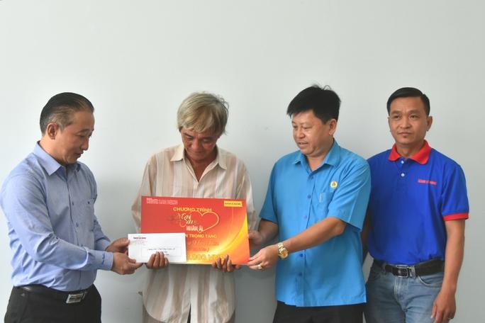 Mai Vàng nhân ái hỗ trợ 3 nghệ sĩ ở Bến Tre - Ảnh 4.