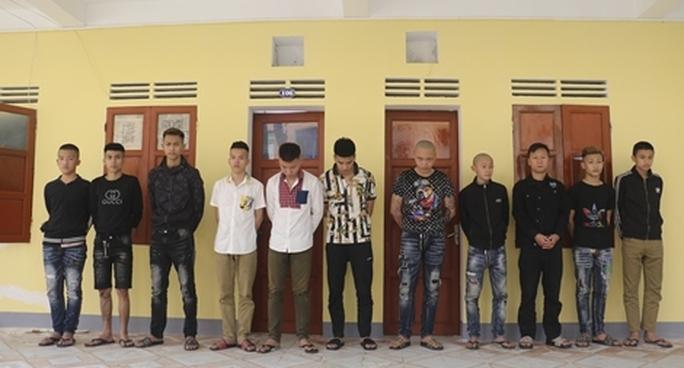 """Vụ nam thiếu niên bị """"chôn sống"""": Khởi tố, bắt tạm giam 14 đối tượng liên quan - Ảnh 1."""