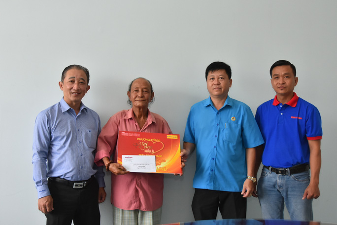 Mai Vàng nhân ái hỗ trợ 3 nghệ sĩ ở Bến Tre - Ảnh 3.