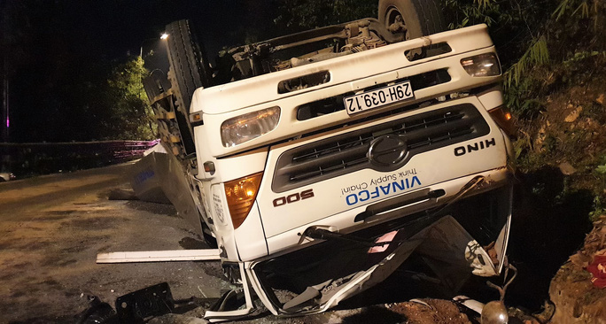 Tai nạn nghiêm trọng trên đèo Bảo Lộc, 2 sinh viên chết thảm - Ảnh 4.