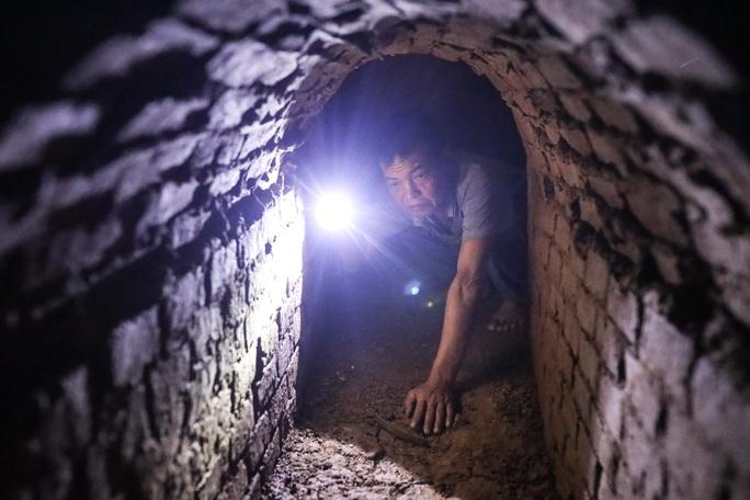 CLIP: Bên trong địa đạo ở Hà Nội - Ảnh 9.