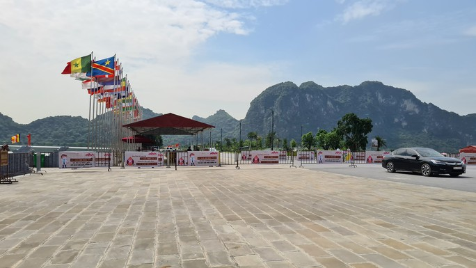 Tam Chúc - ngôi chùa lớn nhất thế giới - bình yên đến lạ ngày lễ 30-4 - Ảnh 6.