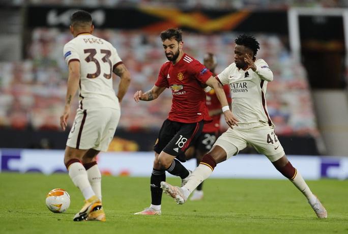 Đại thắng AS Roma, Man United đặt vé dự chung kết Europa League - Ảnh 1.