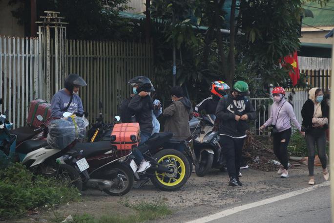 Đoàn đua xe đạp Cúp truyền hình TP HCM mắc kẹt trên đèo Bảo Lộc - Ảnh 8.