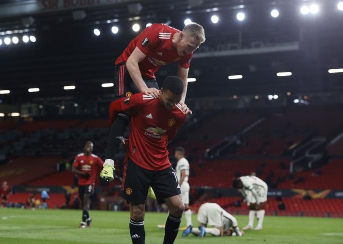 Đại thắng AS Roma, Man United đặt vé dự chung kết Europa League - Ảnh 7.