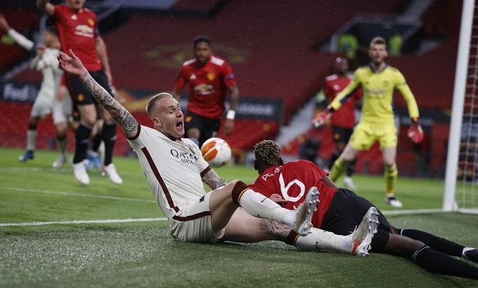 Đại thắng AS Roma, Man United đặt vé dự chung kết Europa League - Ảnh 2.