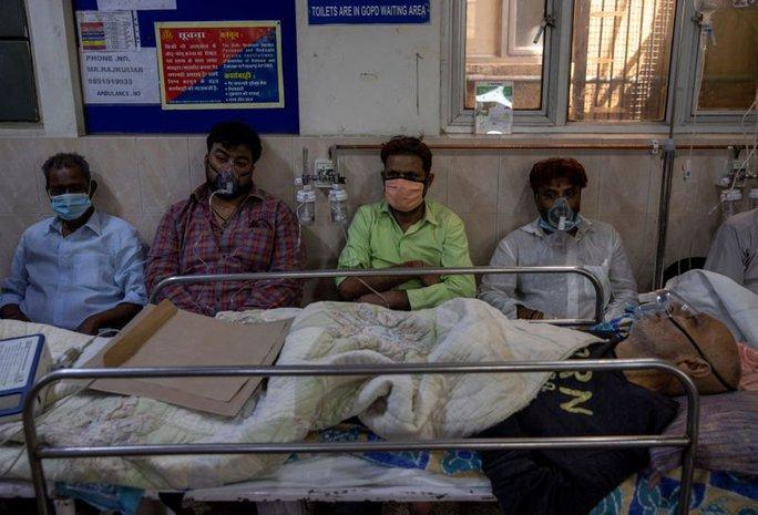 Ấn Độ: Số ca nhiễm lại tăng sốc, người đào mộ chạy đua với thời gian - Ảnh 2.