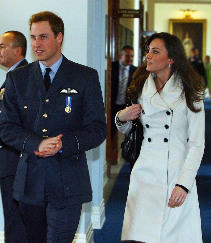 10 năm hôn nhân ngọt ngào của Hoàng tử William và Công nương Kate - Ảnh 1.