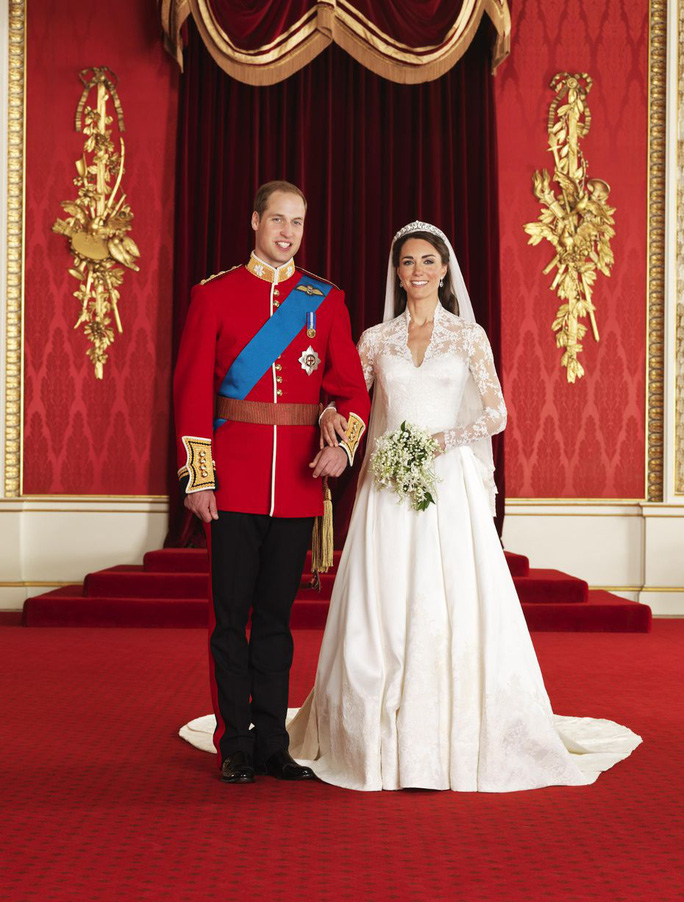 10 năm hôn nhân ngọt ngào của Hoàng tử William và Công nương Kate - Ảnh 3.