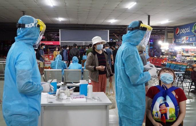 94 người TP HCM liên quan hai ca bệnh ở Hà Nam đều âm tính - Ảnh 1.