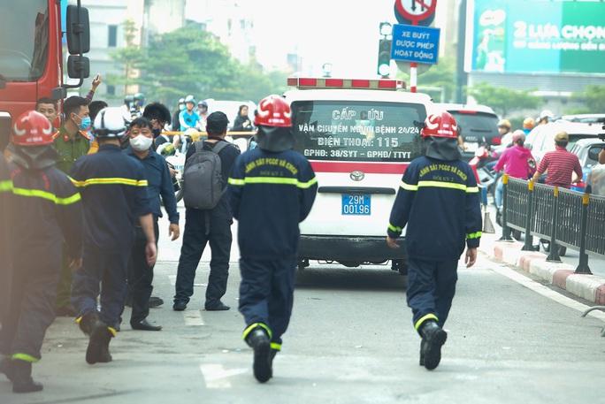 Vụ cháy 4 người tử vong: Người mẹ khóc lịm khi mất cả gia đình con trai - Ảnh 15.