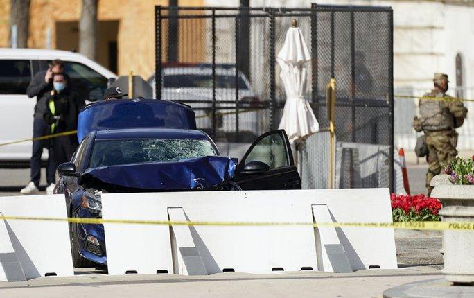 Tiết lộ sức khỏe tâm thần của nghi phạm lao xe, đâm dao ở Điện Capitol - Ảnh 1.