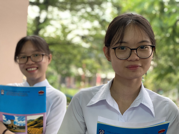 Bộ GD-ĐT công bố mẫu phiếu đăng ký dự thi tốt nghiệp THPT 2021 - Ảnh 1.