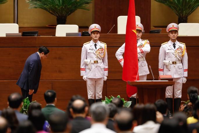 Tân Thủ tướng Chính phủ Phạm Minh Chính tuyên thệ nhậm chức - Ảnh 2.