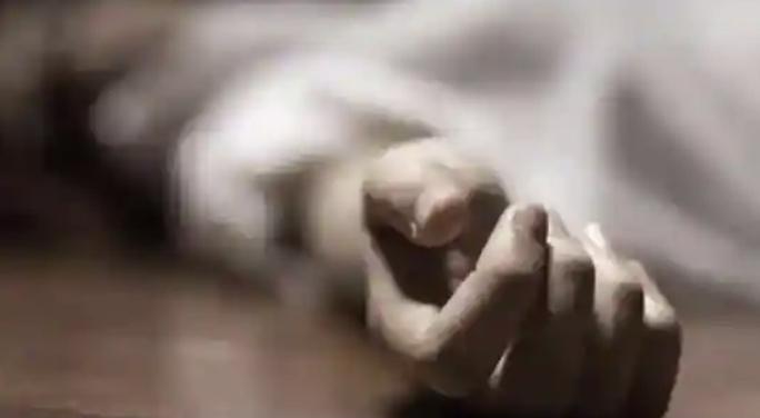 Cha giết con và 7 người thân, sau đó tự sát - Ảnh 1.