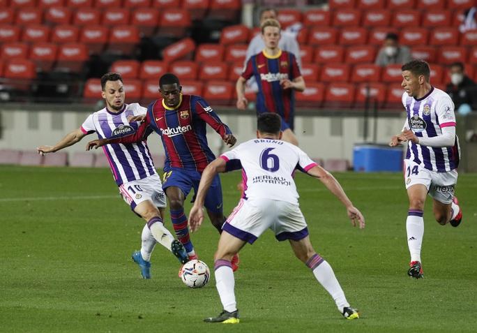 Messi lập kỷ lục, trọng tài nghi tiếp tay Barcelona hạ Valladolid - Ảnh 4.