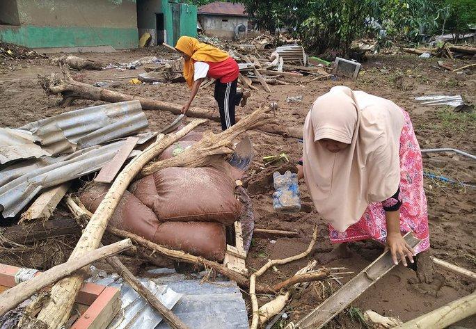 Indonesia: Lũ lụt và sạt lở kinh hoàng, ít nhất 119 người chết - Ảnh 8.