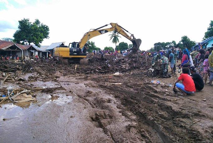 Indonesia: Lũ lụt và sạt lở kinh hoàng, ít nhất 119 người chết - Ảnh 9.