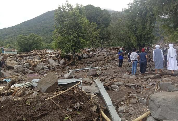 Indonesia: Lũ lụt và sạt lở kinh hoàng, ít nhất 119 người chết - Ảnh 5.