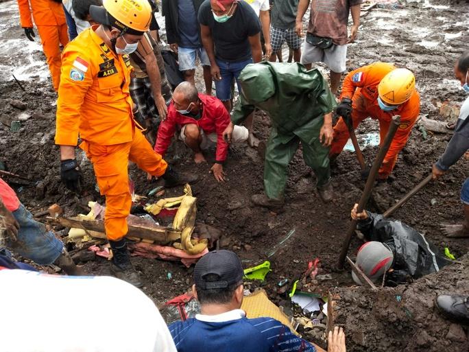 Indonesia: Lũ lụt và sạt lở kinh hoàng, ít nhất 119 người chết - Ảnh 4.