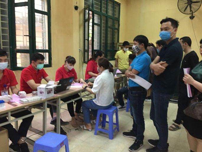 Hà Nội: CNVC-LĐ tích cực hiến máu tình nguyện - Ảnh 1.