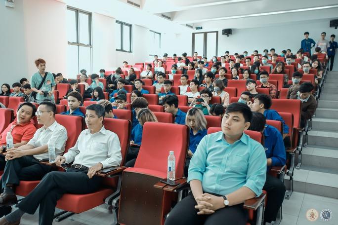 Sôi nổi khai mạc Hội thao sinh viên Trường ĐH Kiến trúc TP HCM 2021 - Ảnh 2.