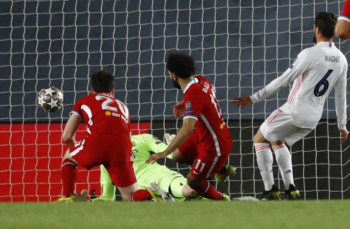 Thần đồng Vinicius lập cú đúp, tiễn chân Liverpool vòng tứ kết - Ảnh 4.