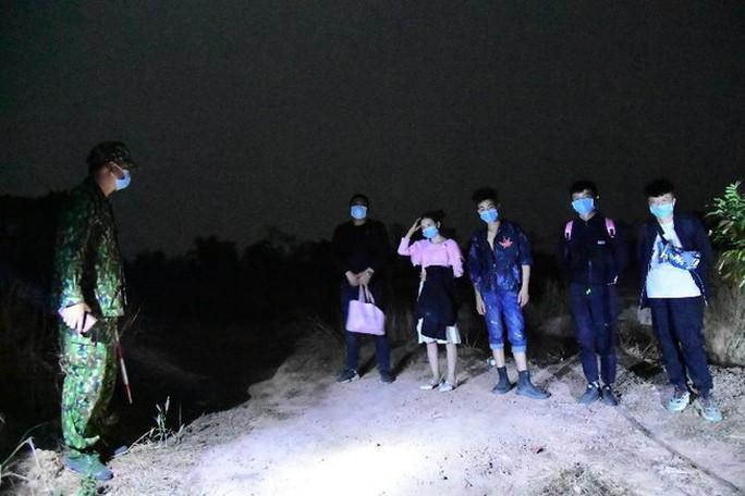 Đề nghị trục xuất 9 người Trung Quốc nhập cảnh trái phép vào Quảng Bình - Ảnh 1.