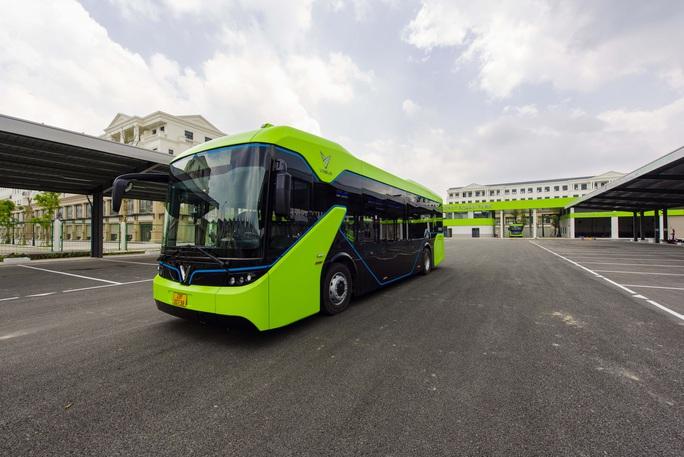Cận cảnh nội thất chiếc xe buýt điện thông minh đầu tiên tại Việt Nam - Ảnh 4.
