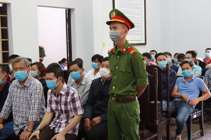 Toàn cảnh phiên tòa xét xử đường dây sản xuất xăng giả của Trịnh Sướng - Ảnh 11.