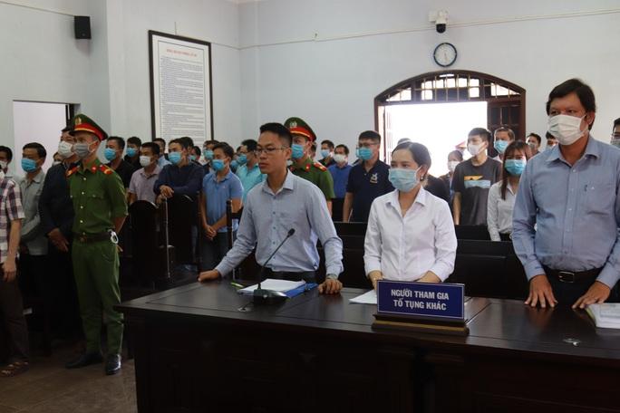 Toàn cảnh phiên tòa xét xử đường dây sản xuất xăng giả của Trịnh Sướng - Ảnh 12.