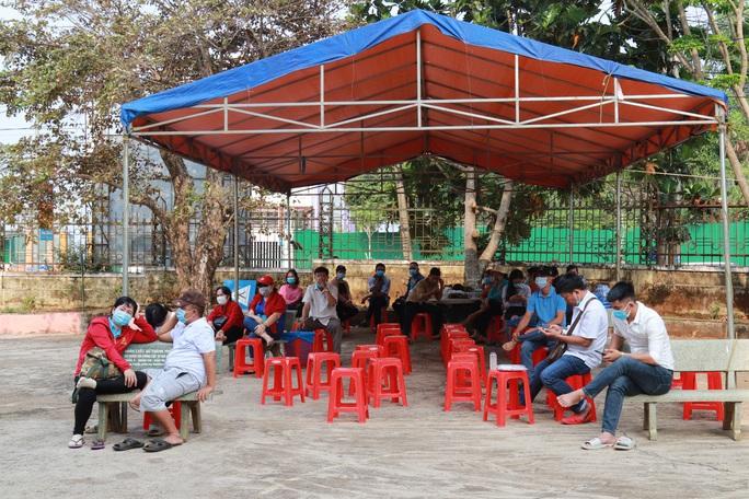 Toàn cảnh phiên tòa xét xử đường dây sản xuất xăng giả của Trịnh Sướng - Ảnh 13.
