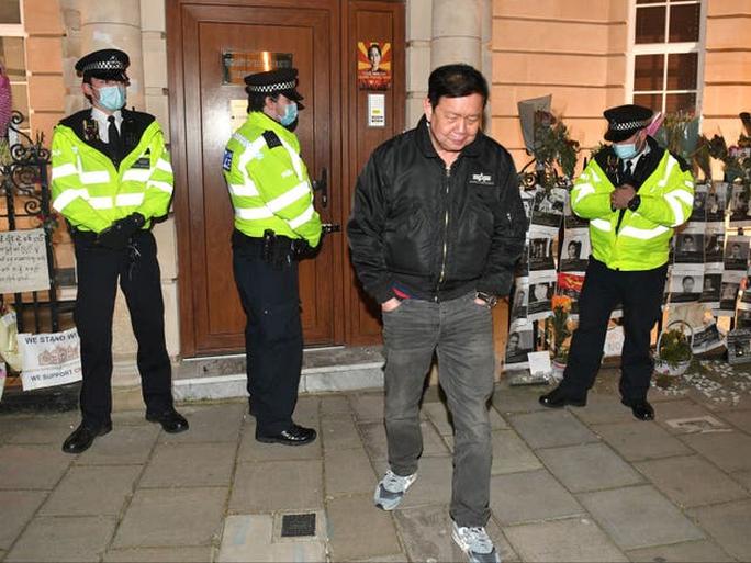 Có biến tại đại sứ quán Myanmar ở Anh - Ảnh 1.