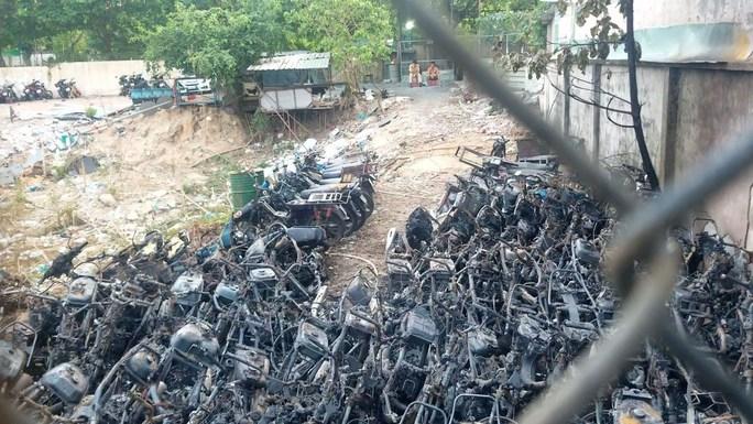 Công an TP Thủ Đức công bố nguyên nhân cháy bãi giữ xe vi phạm - Ảnh 1.