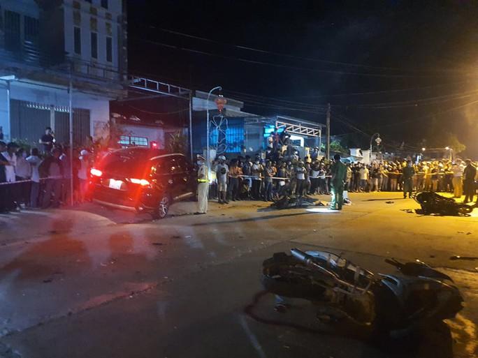 Chùm ảnh: Hiện trường vụ tai nạn kinh hoàng ở Quảng Nam - Ảnh 12.