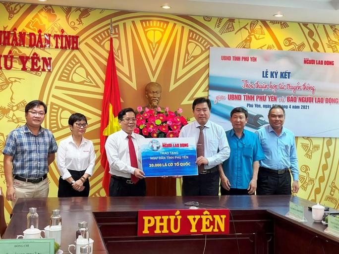 Đưa Phú Yên xứ sở hoa vàng trên cỏ xanh thành địa phương mạnh về kinh tế du lịch - Ảnh 4.