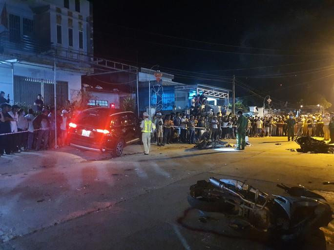 Chùm ảnh: Hiện trường vụ tai nạn kinh hoàng ở Quảng Nam - Ảnh 7.