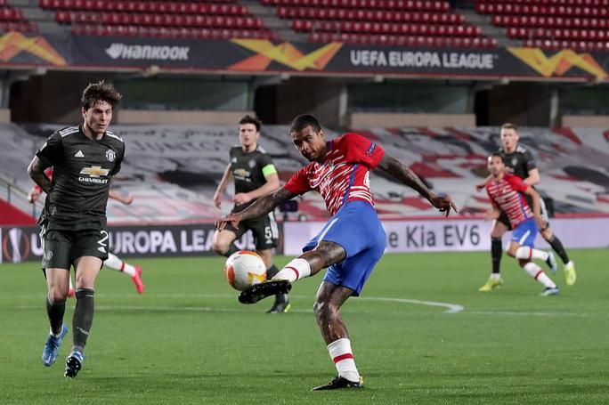 Hạ đẹp chủ nhà Granada, Man United chờ vé bán kết Europa League - Ảnh 4.