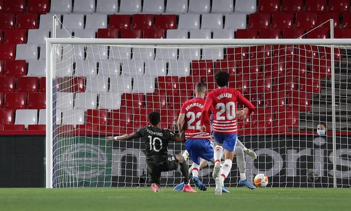 Hạ đẹp chủ nhà Granada, Man United chờ vé bán kết Europa League - Ảnh 5.