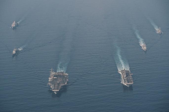 Mỹ đưa lực lượng hùng hậu đến biển Đông - Ảnh 1.