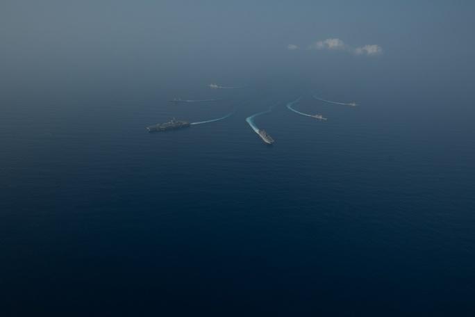 Mỹ đưa lực lượng hùng hậu đến biển Đông - Ảnh 6.
