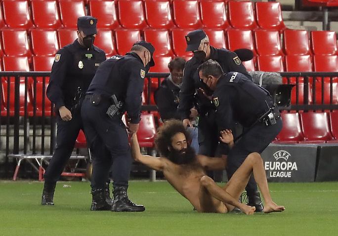 Hạ đẹp chủ nhà Granada, Man United chờ vé bán kết Europa League - Ảnh 3.