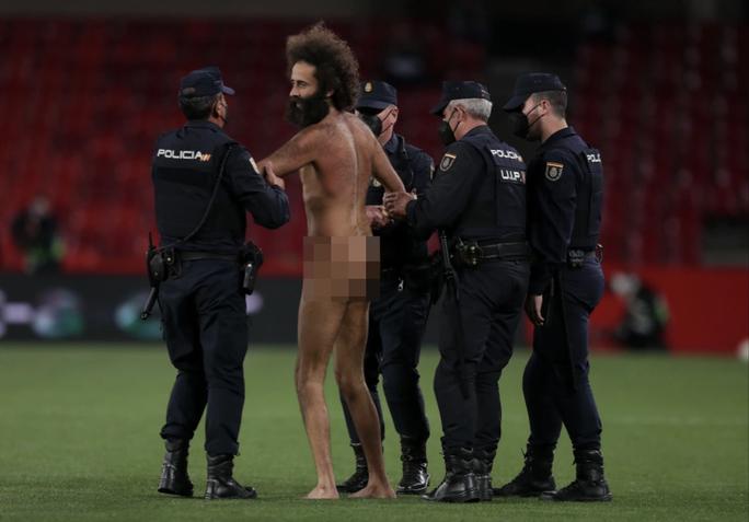 Hạ đẹp chủ nhà Granada, Man United chờ vé bán kết Europa League - Ảnh 2.