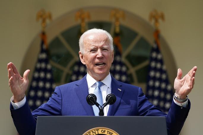 Xả súng liên tục ở Mỹ, Tổng thống Biden siết súng ma - Ảnh 3.