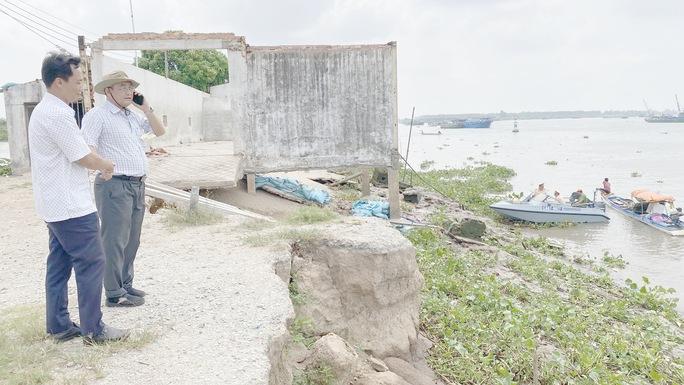 CLIP: Làm rõ vụ dân tố doanh nghiệp khai thác cát trái phép gây sạt lở bờ sông - Ảnh 2.