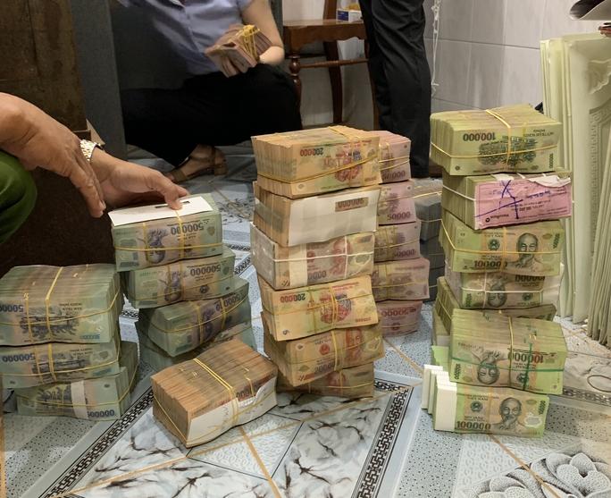Công ty cao su bị đục két sắt trộm 6,3 tỉ đồng - Ảnh 2.