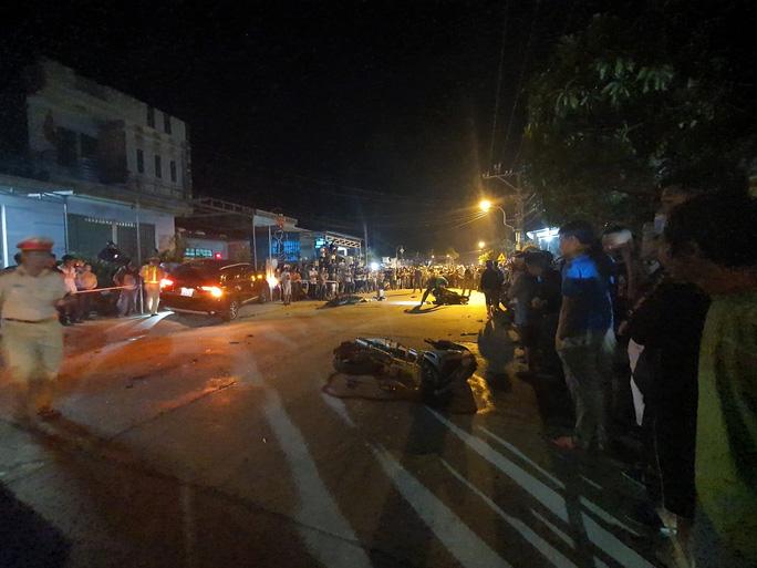 Chùm ảnh: Hiện trường vụ tai nạn kinh hoàng ở Quảng Nam - Ảnh 9.